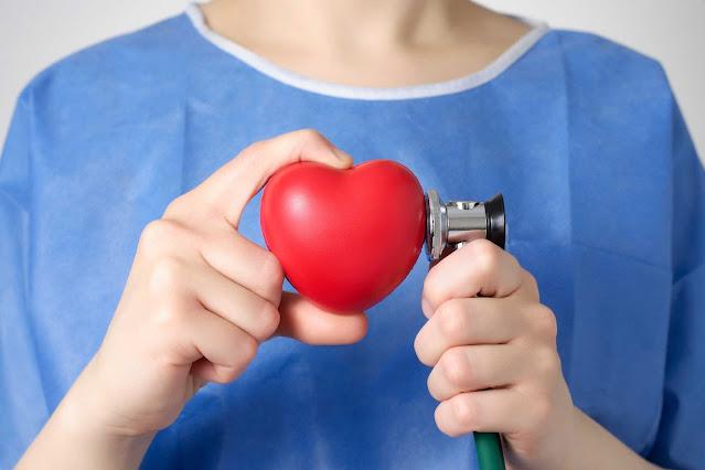 Đứng lâu một chỗ tăng nguy cơ mắc bệnh tim gấp đôi so với ngồi làm việc