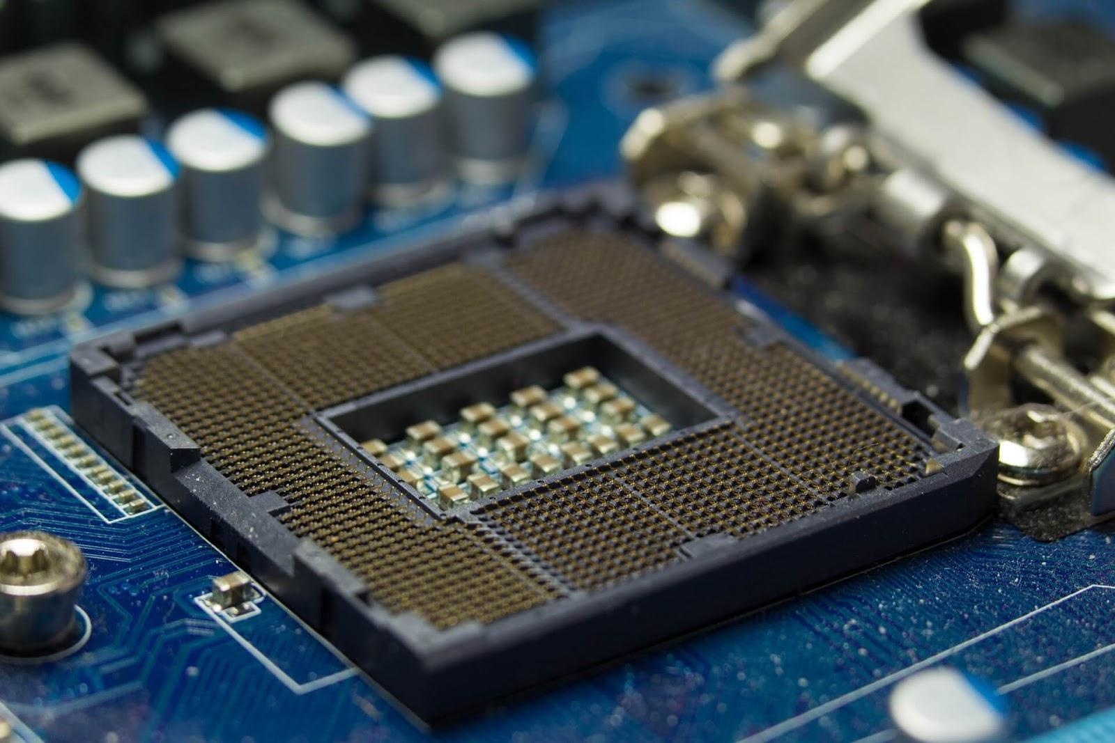 Intel Reveals Major 'Foreshadow' Flaw
