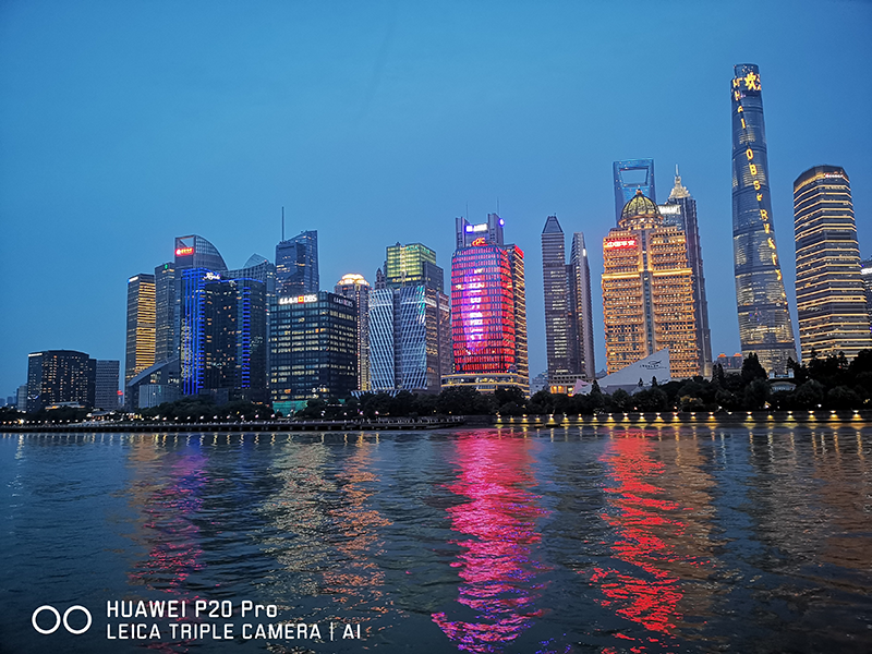 #NoTripodChallenge: Shanghai and Shenzhen at night though the lens of Huawei P20 Pro