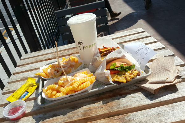 Shake Shack | Woodbury Common Premium Outlets, New Jersey