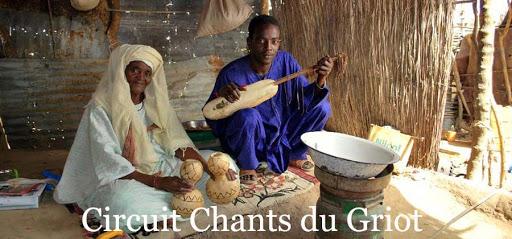 Guewel, le dépositaire de notre histoire : Guewel, griot, communicateur, chanteur, musique, histoire, tradition, coutumes, homme, femme, LEUKSENEGAL, Dakar, Sénégal, Afrique