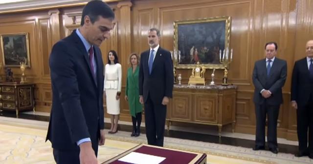 El presidente Pedro Sánchez promete su cargo en Zarzuela