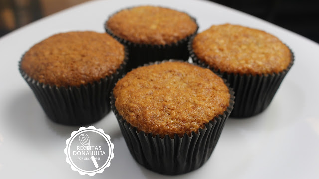 """""""Muffin de banana""""  #semleite #semovos"""
