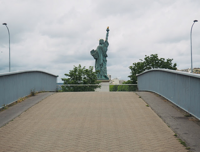 24 hours in Paris - Statue of Liberty