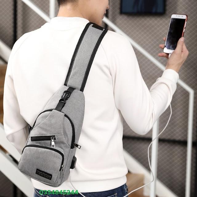 Túi đeo chéo nam, nữ có cổng usb1