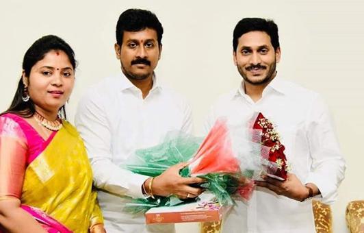 pushpasreevani-husband-parikshit-raju-satrucharla