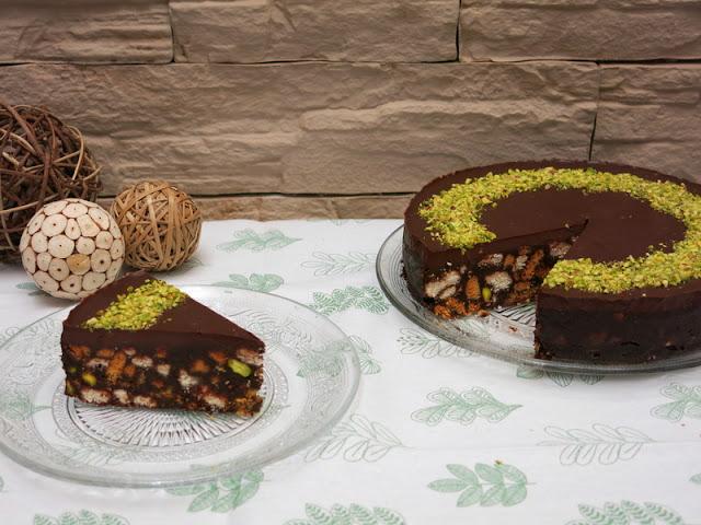 TARTA DE GALLETAS, CHOCOLATE Y PISTACHO