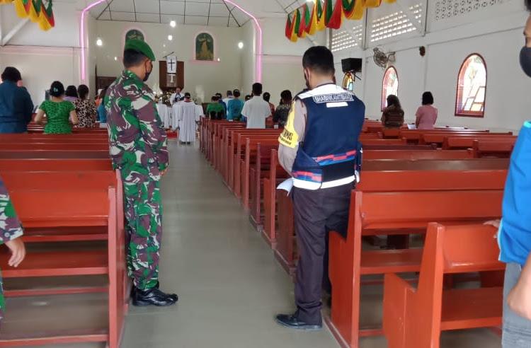 Antisipasi teror, TNI-POLRI beserta OKP amankan Gereja di Tiga Dolok
