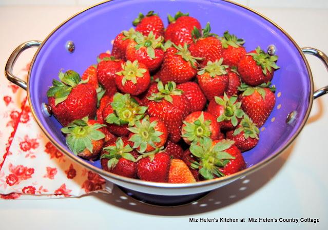 Fresh Strawberry Scones at Miz Helen's Country Cottage