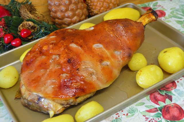 Las delicias de Mayte, paletilla de cochinillo al horno con patatas, paletilla de cochinillo al horno, paletilla de cochinillo recetas, paletilla de cochinillo, recetas de paletilla de cochinillo,