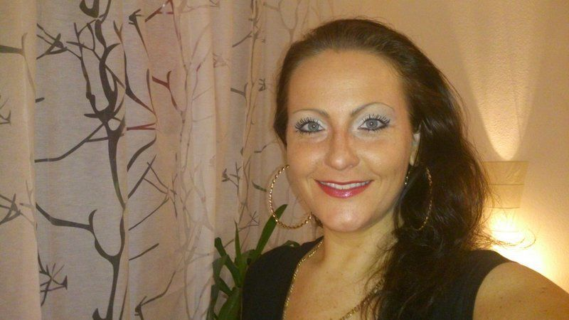 Single And Searching UK Sugar Mummy - Needs A Serious Lover