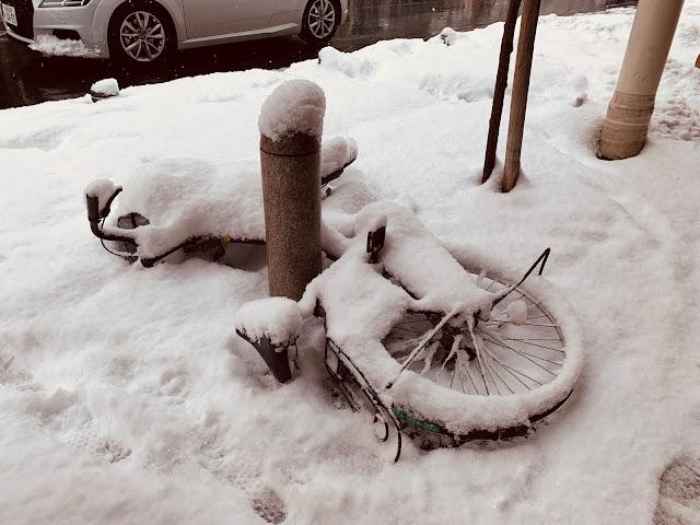 雪中的腳踏車