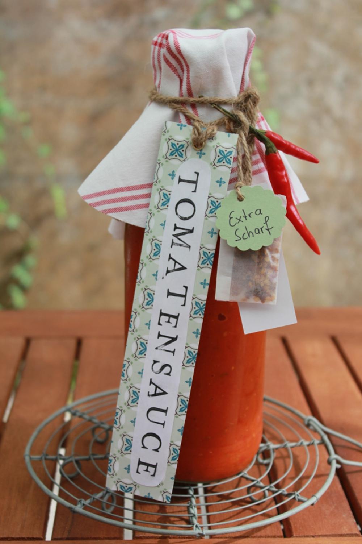 wolkenfees k chenwerkstatt tomatensauce auf vorrat und als geschenk aus der k che. Black Bedroom Furniture Sets. Home Design Ideas