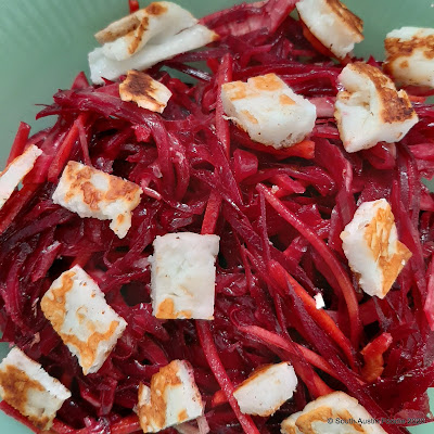 Homemade: raw beet salad, with fennel, red onion and haloumi