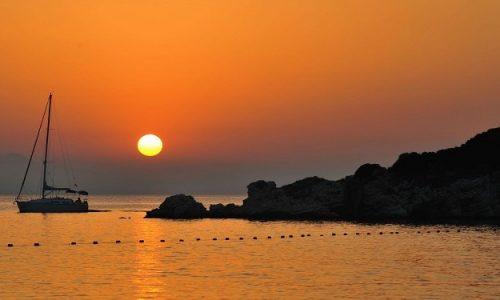 Η Δευτέρα 21 Ιουνίου θα είναι η μεγαλύτερη μέρα του 2021 και η πρώτη επίσημη μέρα του καλοκαιριού, καθώς το πρωί (στις 06:32 ώρα Ελλάδας) λαμβάνει χώρα το θερινό ηλιοστάσιο.