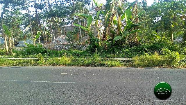 Tanah tepi jalan dekat SD Model Sleman