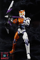 S.H. Figuarts Kamen Rider Valkyrie Rushing Cheetah 31S.H. Figuarts Kamen Rider Valkyrie Rushing Cheetah 39
