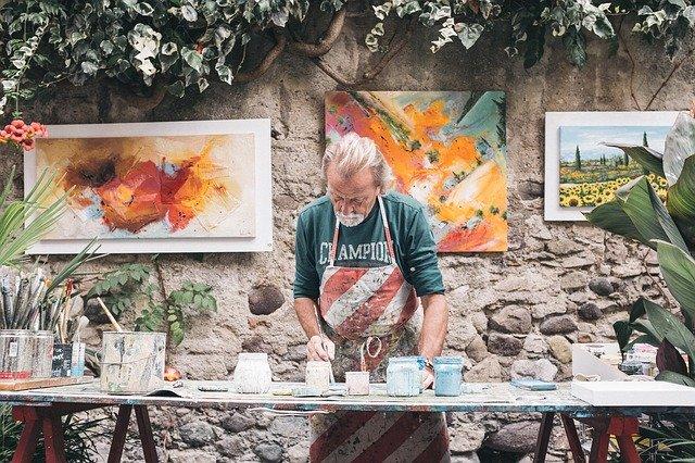 Artistic painter