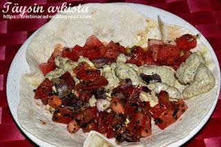 Kana-meloni-tomaattisalsatortilla