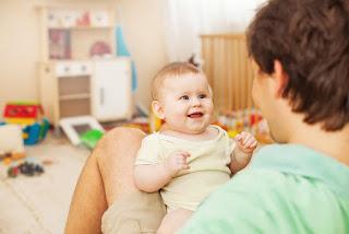 Bagaimana Anak Belajar Bicara ?