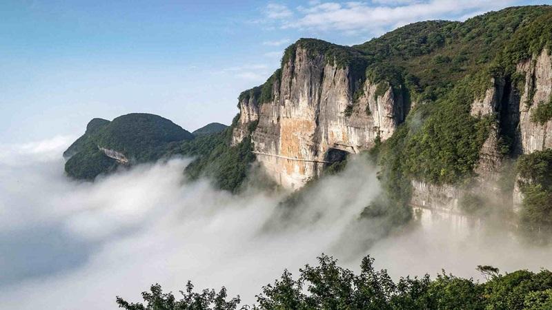 ภูเขาจินโฝ (Mount Jinfo)
