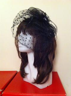 siyah şapka vualet Audrey Hepburn