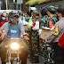 TNI/Polri di Jateng Bagi Takjil ke Warga