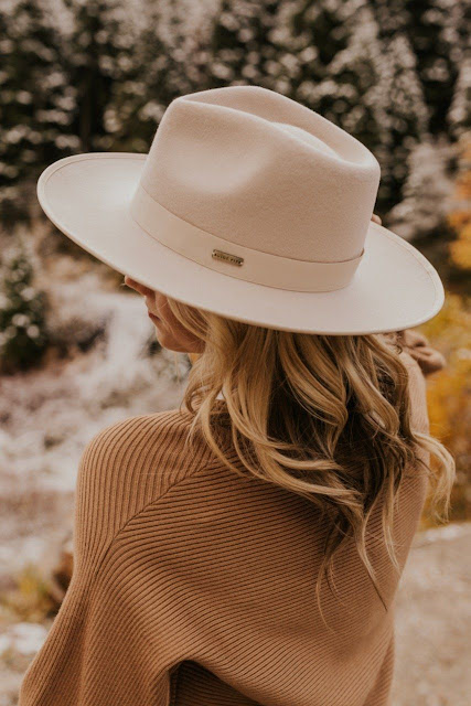 A Straw Fedora Hat Is the Perfect Option for Summers