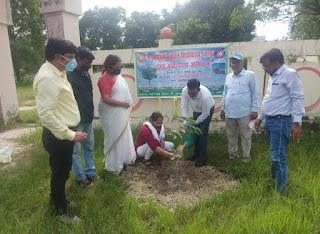 वृक्ष मानव जीवन के हैं आधार : महेंद्र कुमार   #NayaSaberaNetwork