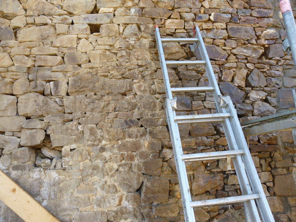 reboucher fissure mur ext rieur r parer la fissure d un mur comment reboucher fissures murs. Black Bedroom Furniture Sets. Home Design Ideas