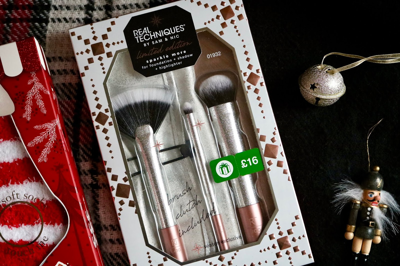 REAL TECHNIQUES SPARKLE MORE GIFT SET
