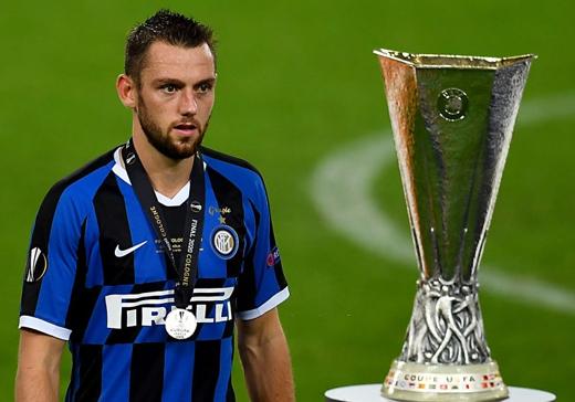 """Inter Milan hụt Europa League vì """"ông Vua về nhì""""?"""