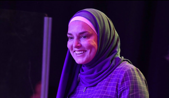 Kisah Perjalanan Penyanyi Wanita Terkenal Irlandia Memeluk Islam