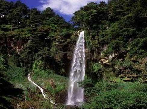 Pesona Tempat Wisata Alam Grojogan Sewu Tawangmangu Yang Indah dan Eksotis