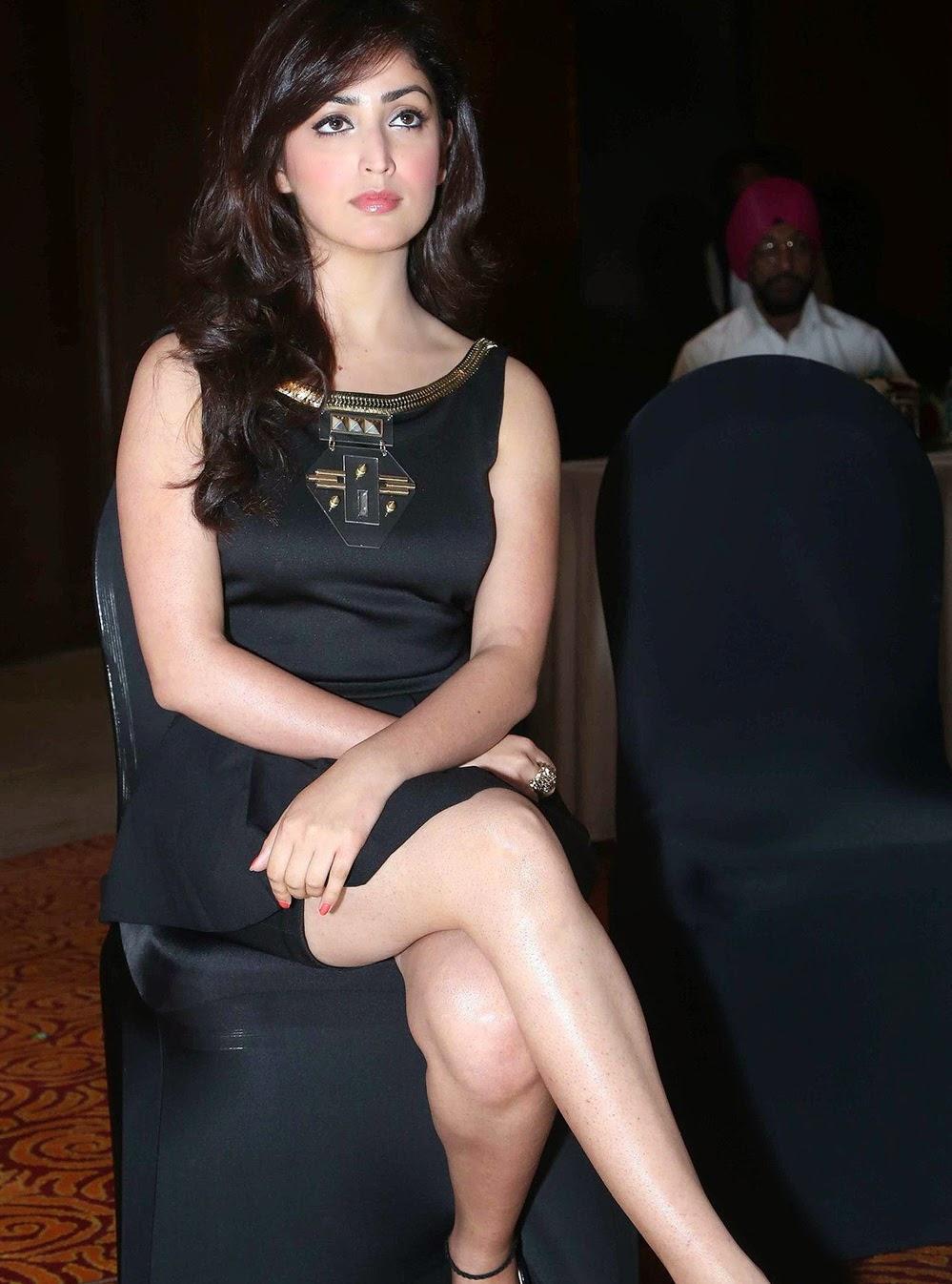Yami Gautam Sexy Dress New Photos Bollywood Star - SHINER ...