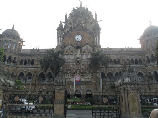 मुम्बई- गेटवे ऑफ इण्डिया और एलीफेण्टा गुफाएं