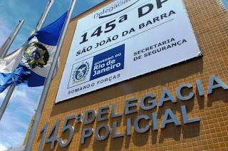 http://vnoticia.com.br/noticia/2805-dupla-armada-rende-funcionarios-e-rouba-casa-loterica-em-grussai