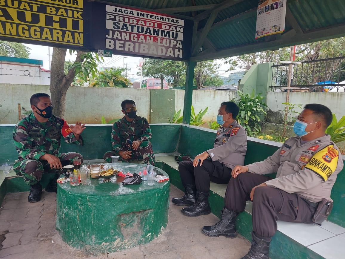 Wadan Ramil 410-01Panjang Kodim 0410KBL Kapten Cpl Made Diazmika menerima kunjungan silaturahmi dari Kanit Bhinmas Polsek Panjang
