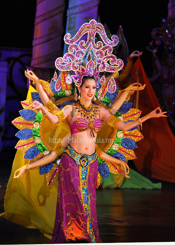 Pattaya Tiffany Show Girl