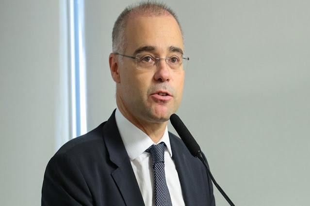 Bolsonaro vai indicar André Mendonça para vaga no Supremo