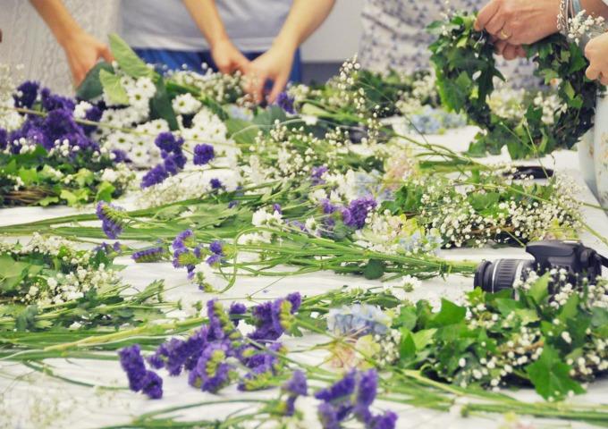 flores naturales para hacer una corona