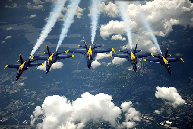 Blue Angels final flight Hornet