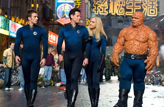 The four walking down the street in Fantastic Four movieloversreviews.filminspector.com