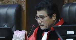 Manahan Sitompul dan Karier Putra Pendeta dari Bandara hingga MK