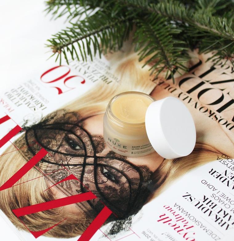 Kultowe kosmetyki NUXE, które warto przetestować balsam do ust Reve de Miel