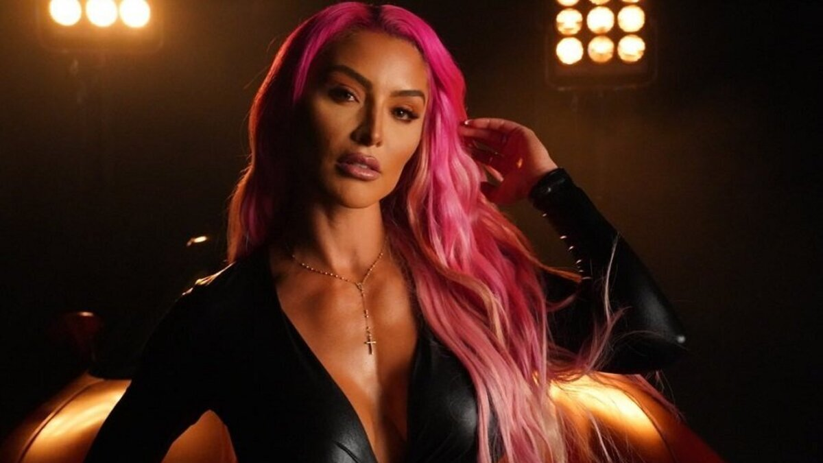 WWE está considerando juntar Eva Marie com lutadora do NXT