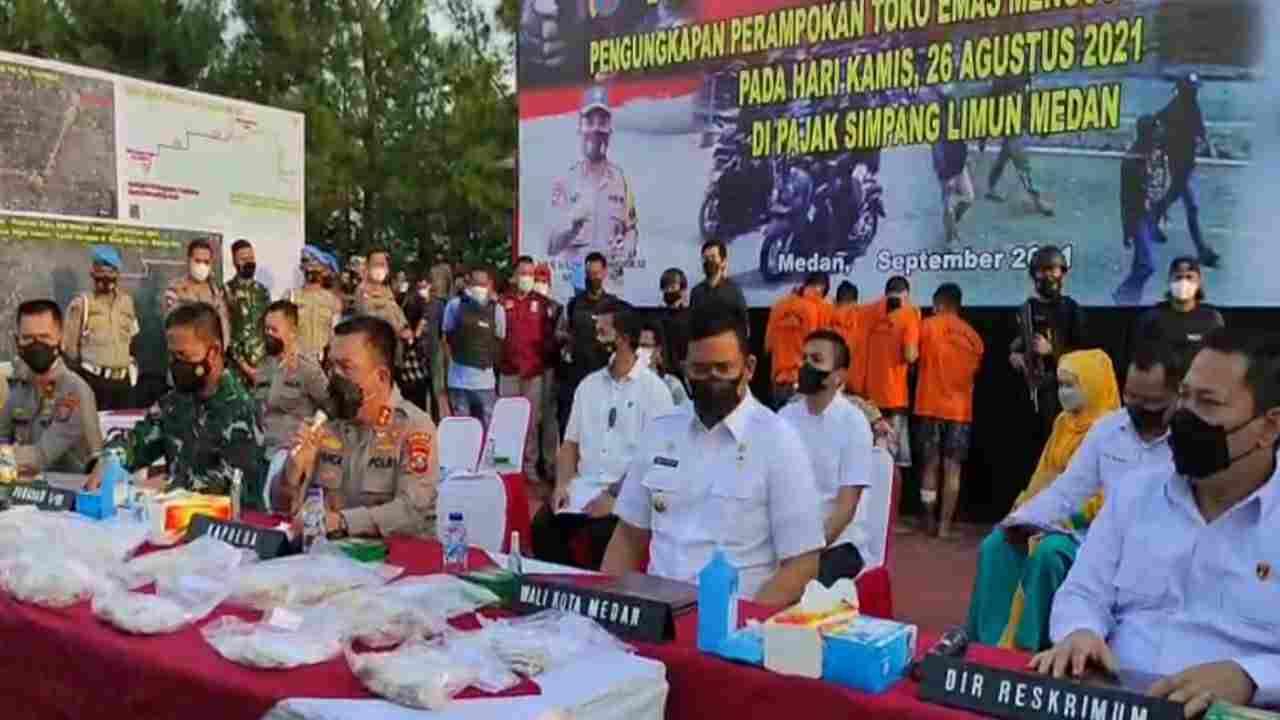 Polda Sumut Gelar Konfrensi Pers Kasus Perampokan 6,8 Kg Emas Di Simpang Limun