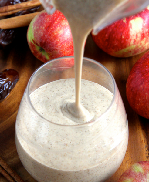CARAMEL APPLE OVERNIGHT OATMEAL SMOOTHIE #drink #sangria #smoothie #oatmeal #apple