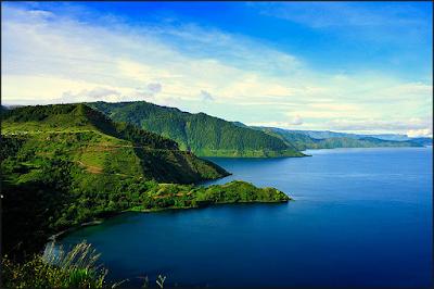 http://www.kabarviralpedia.com/2016/11/7-tempat-paling-misterius-yang-ada-di-indonesia.html