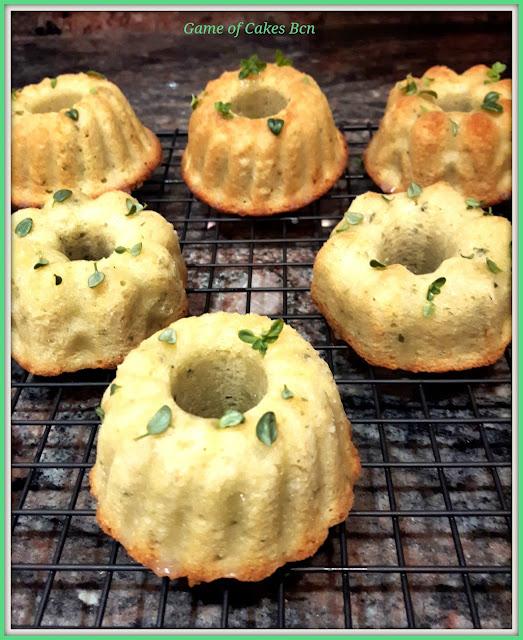 Mini bundt cakes de limón y tomillo